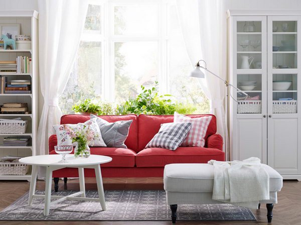 10 cách phối màu đỏ và trắng giúp phòng khách nổi bần bật mà không mất nhiều công sức - Ảnh 2.