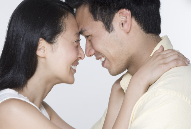 Bàng hoàng trước những món quà của chồng (P1): Tìm được hạnh phúc sau quá khứ đen tối - Ảnh 2.