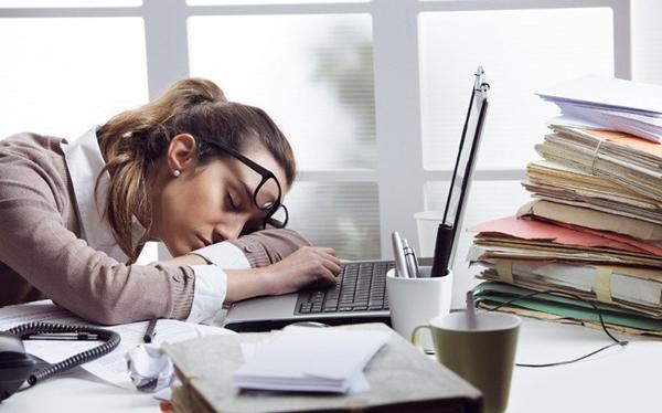 5 triệu chứng của hội chứng ngủ rũ bạn chớ nên xem thường - Ảnh 2.