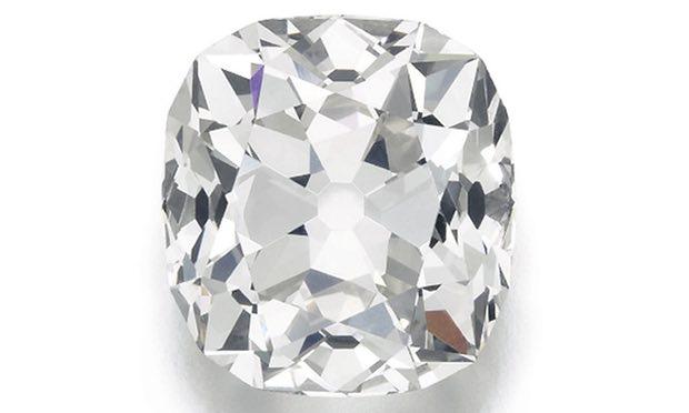 Mua nhẫn giả ở chợ trời, ngỡ ngàng phát hiện ra là nhẫn kim cương hàng chục tỷ đồng 4