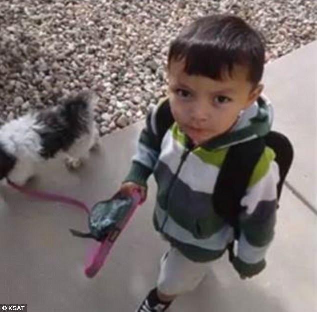 Bé 2 tuổi bị đuối cạn nhưng được bố cứu thoát nhờ một may mắn không ngờ - Ảnh 1.