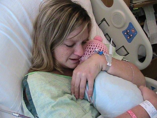 Khoảnh khắc những em bé chào đời chạm tới trái tim hàng triệu người - Ảnh 8.