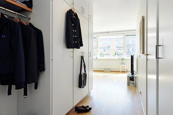 Chỉ 44m² nhưng nhờ cách bài trí mà căn hộ này trông rộng đến khó tin - Ảnh 8.