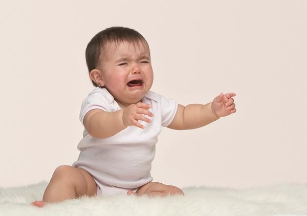4 thời điểm trẻ sơ sinh khóc nhiều nhất và cách dỗ bé nín khóc - Ảnh 1.