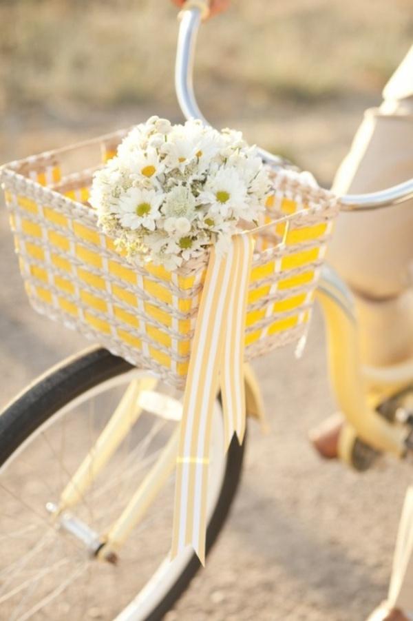 Những ý tưởng trang trí vườn tuyệt hay với xe đạp cũ bạn sẽ rất tiếc nếu biết quá muộn - Ảnh 1.