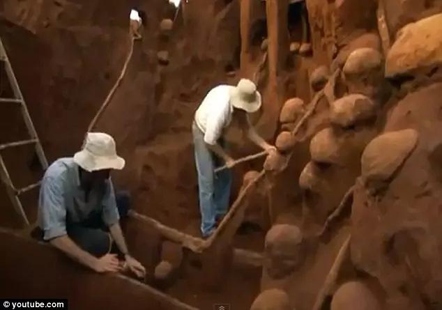 Không thể tin nổi: Cả thành phố khổng lồ của kiến sâu 8m, rộng 46m2 dưới lòng đất - Ảnh 4.