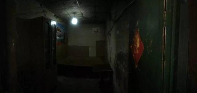 Chàng trai Tây biến phòng trọ 9m² tối tăm, chật hẹp thành nơi ở không thể đẹp hơn sau 7 ngày - Ảnh 4.