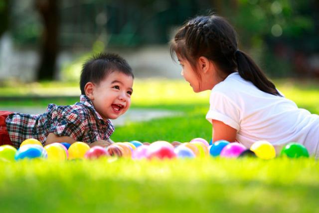 , 10 kỹ năng sống cần trang bị cho trẻ ngay từ khi 1 tuổi