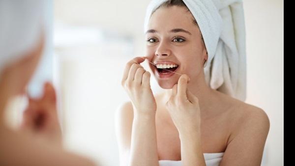 Để làm trắng răng, đây là 7 cách đơn giản mà con người hiện đại hay sử dụng nhất - Ảnh 5.
