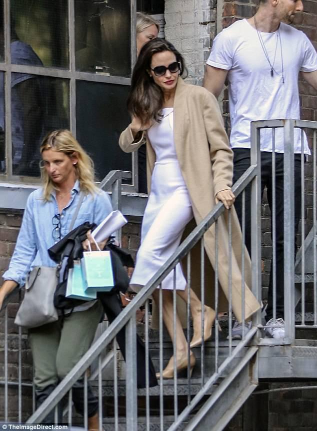 Angelina Jolie hãnh diện khi nói về 2 cậu con trai Maddox và Pax Thiên - Ảnh 2.