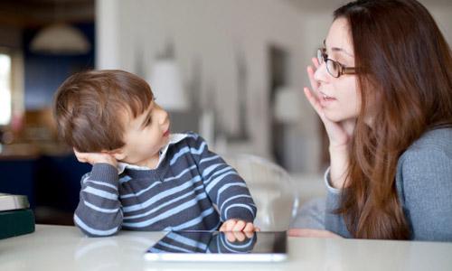 Dạy gì thì dạy, trẻ từ 4 - 7 tuổi phải đạt được những mốc phát triển ngôn ngữ và nhận thức này - Ảnh 1.