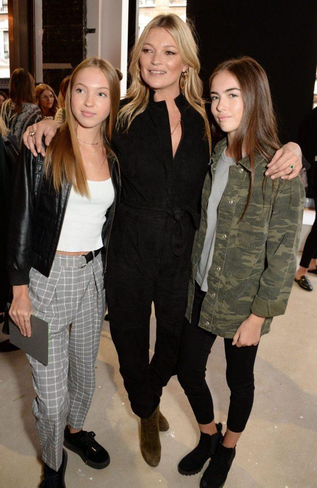 Con gái 14 tuổi của siêu mẫu Kate Moss gây chú ý với vẻ đẹp trong veo - Ảnh 2.