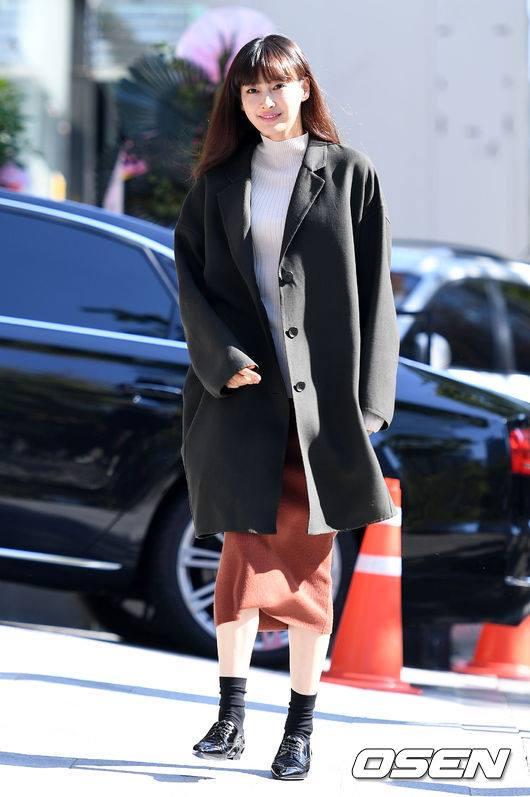Bà xã Won Bin tái xuất xinh đẹp sau 2 năm sinh con - ảnh 1