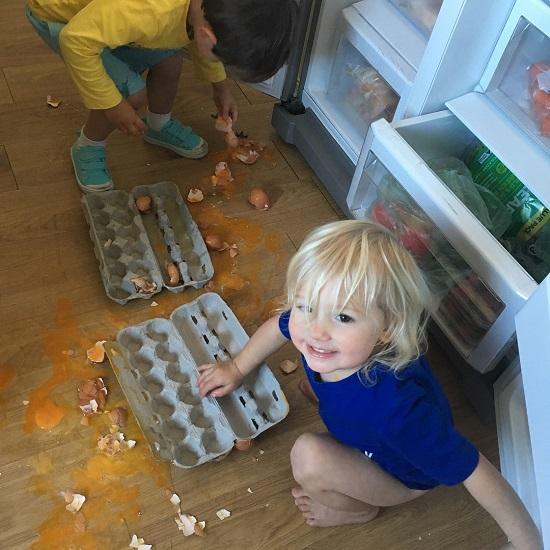 12 trò chơi quái gở đứa trẻ nào cũng mê tít thò lò - Ảnh 9.