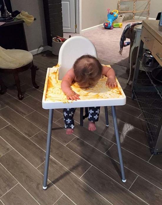 Hành động ngớ ngẩn của trẻ khiến bố mẹ khốn khổ giải quyết hậu quả - Ảnh 6.