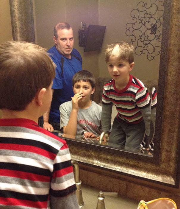Nếu còn nghi ngờ khả năng tạo mẫu tóc của các bé thì cha mẹ hãy xem ngay bộ ảnh này - Ảnh 7.