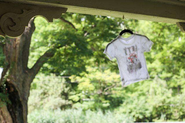 6 mẹo nhỏ giúp quần áo của bạn luôn mới đẹp dù giặt bằng máy giặt - Ảnh 7.
