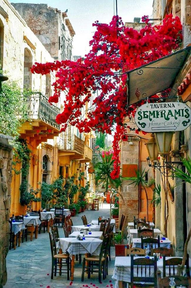Nín thở ngắm nhìn những con phố đẹp nhất trên thế giới - Ảnh 13.
