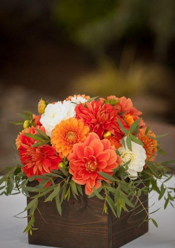 Gợi ý các cách cắm hoa cho ngôi nhà rực rỡ và ấm cúng đón năm mới - Ảnh 9.