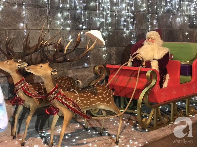 Ngắm biệt thự triệu đô của Đàm Vĩnh Hưng được trang trí đẹp lung linh đón Noel về - Ảnh 4.