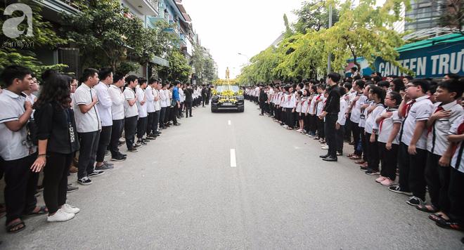 Những hình ảnh xúc động trong lễ tang nhà giáo Văn Như Cương - Ảnh 24.