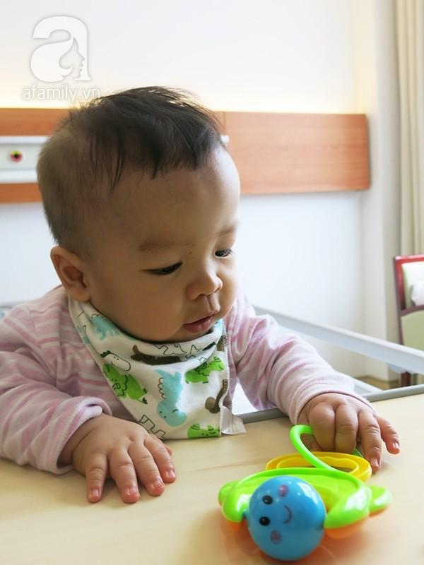Bé sinh non bị xơ phổi rất nặng, cha vượt nghìn cây số đưa con đi ghép tế bào gốc và điều kỳ diệu xuất hiện - Ảnh 1.
