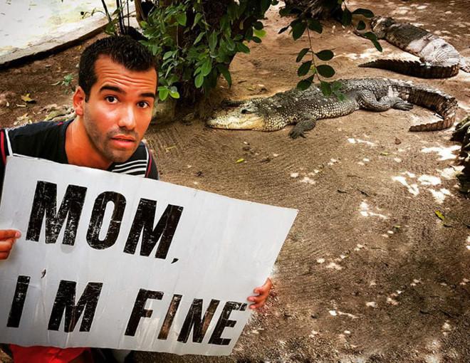 Chàng trai có trách nhiệm nhất quả đất khi đi du lịch luôn cầm tấm bảng Mom, Im fine để trấn an mẹ mình - Ảnh 17.