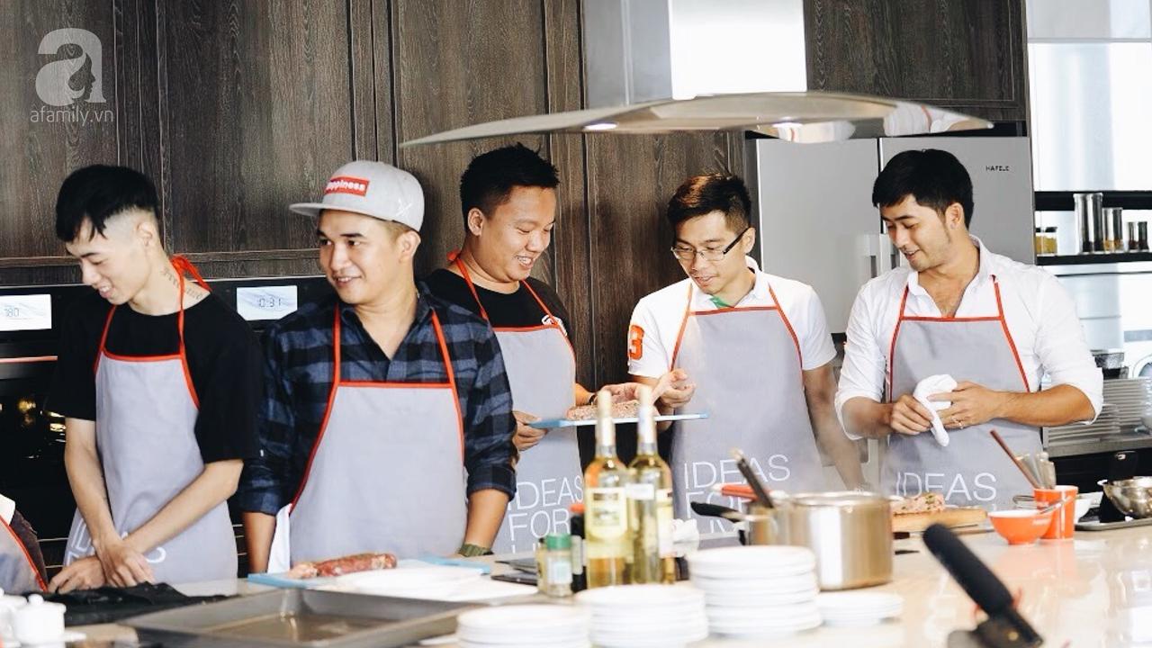 Trang trí giấy dán tường phòng bếp giúp chàng yêu nấu nướng tại TPHCM