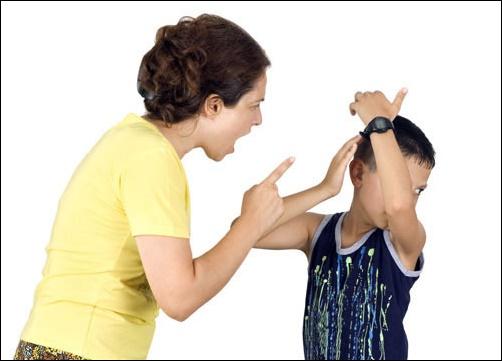 """Những thói quen của bố mẹ khiến trẻ """"đi sai đường"""" - Ảnh 3."""