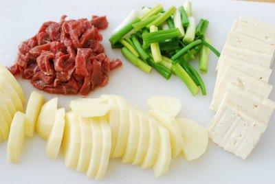 Canh khoai tây nấu kiểu Hàn chắc chắn sẽ khiến bạn thích mê - Ảnh 1