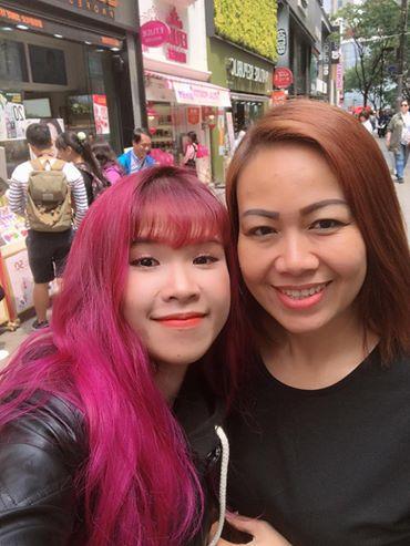 Khởi My đăng ảnh chụp chung với mẹ chồng, gọi mẹ là cô gái xinh đẹp - Ảnh 1.