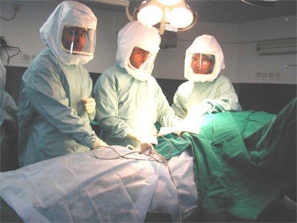 Ly kỳ câu chuyện người phụ nữ máu độc khiến hàng loạt bác sĩ ngất trong phòng cấp cứu - Ảnh 3.