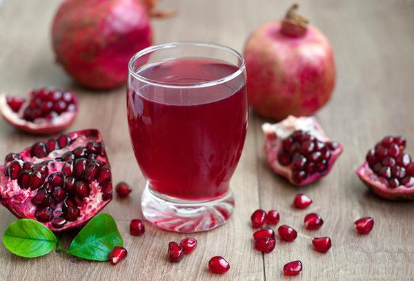 Bất ngờ với công dụng của loại quả màu đỏ quen thuộc có khả năng chống oxy hóa cao gấp 3 lần trà xanh - Ảnh 2.