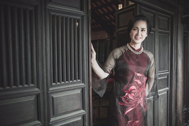 Lạm dụng livestream bán hàng, sao Việt đang tự biến mình thành gương mặt bán hàng rong - Ảnh 5.