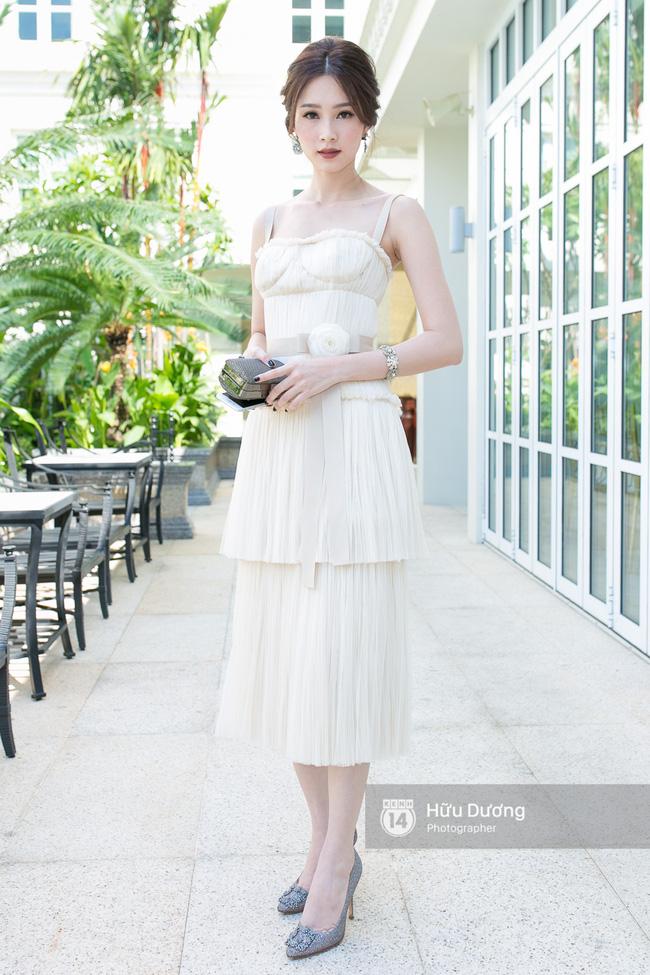 Váy quây cúp ngực nhìn sexy thật, nhưng không phải ai mặc cũng đẹp - Ảnh 9.