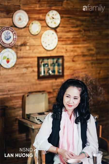 """NSND Lan Hương """"Bông"""": Con gái đi lấy chồng thì nên xem gia đình chồng chính là gia đình mình - Ảnh 8."""