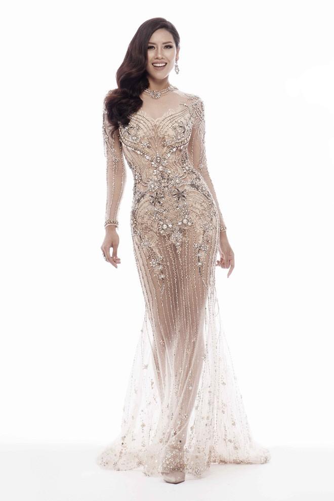 Váy đẹp nhưng chọn góp chụp sai, thì sai luôn cả bộ trang phục - Ảnh 3.