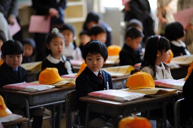 Chỉ là lời chào buổi sáng mà học sinh Nhật cũng khiến cả thế giới trầm trồ - Ảnh 2.