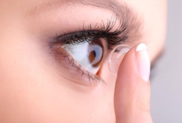 Đây chính là những lý do khiến mắt đỏ khi giao mùa và cách xử lý đúng đắn nhất - Ảnh 4.