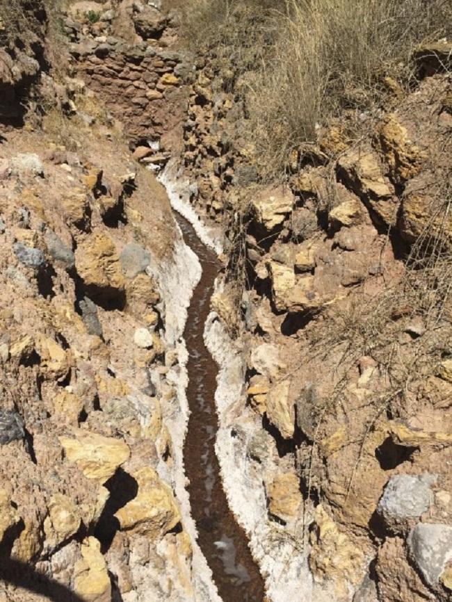 Có một cánh đồng muối kỳ lạ ở lưng chừng đồi núi cao hơn 3000m - Ảnh 8.