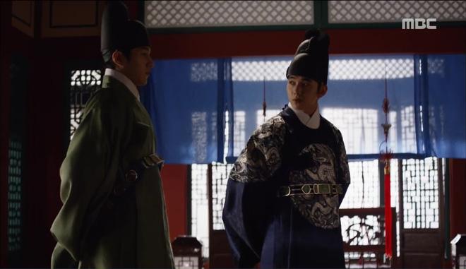 Mặt nạ quân chủ: Chỉ trong một tập Thái tử Yoo Seung Ho mất cả bố, mẹ và người yêu - Ảnh 8.