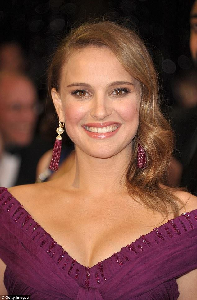 Nữ diễn viên đoạt giải Oscar - Natalie Portman - có làn da hoàn hảo mọi thời điểm nhờ cắt giảm 2 loại thức ăn - Ảnh 3.