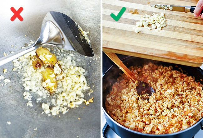 Nếu bạn hay phi tỏi thơm trước khi nấu nướng thì bỏ đi, sai hết cả rồi, phải cho vào giai đoạn này - Ảnh 2.