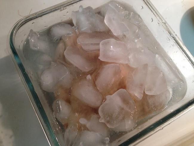 Tôi la làng khi thấy mẹ cho gà tắm nước muối, ngâm đá lạnh, đến khi ăn thì tôi hiểu... - Ảnh 2.