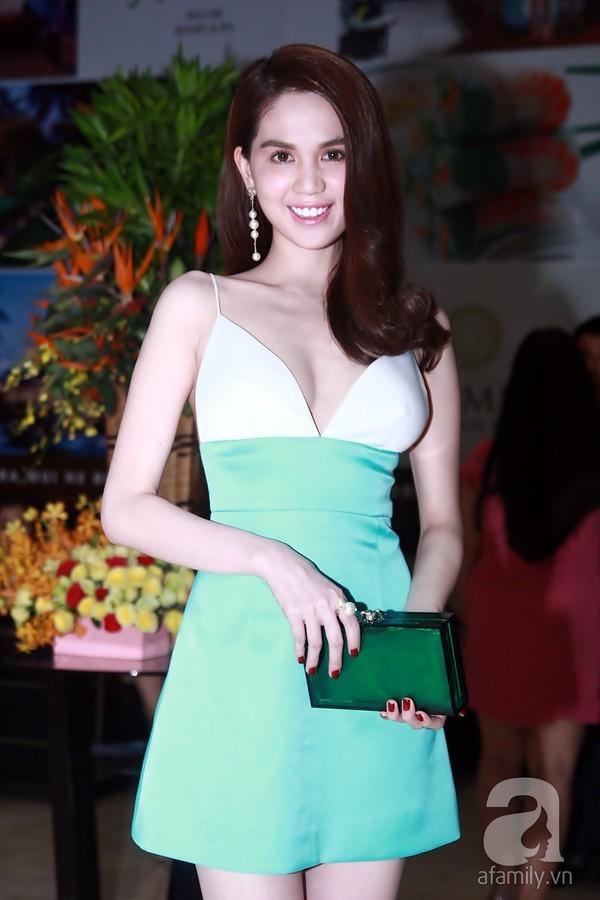 Nhìn bộ váy của Ngọc Trinh diện đi dự sự kiện, mà người ta cứ ngỡ là người đẹp chuẩn bị... đi ngủ  - Ảnh 7.