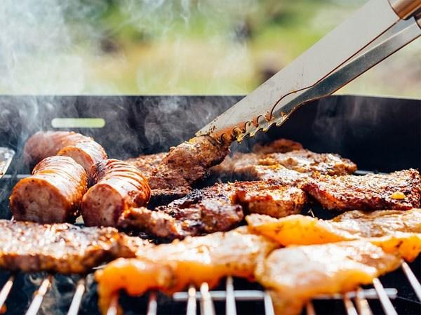 99% phụ nữ vẫn còn giữ những nguyên tắc thừa thãi khi nấu ăn, bỏ đi được rồi chị em - Ảnh 2.