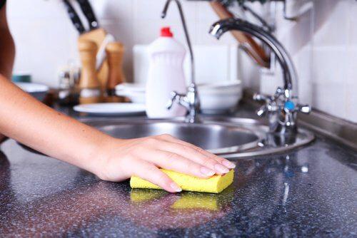 4 vật dụng không thể thiếu trong nhà bếp nhưng lại tiềm ẩn cực nguy hiểm - Ảnh 2.