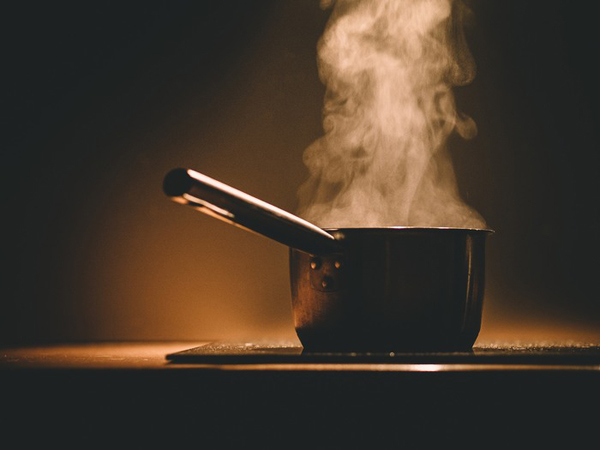 Nếu bạn thường xuyên vào bếp thì tuyệt đối đừng làm những việc này! - Ảnh 4.