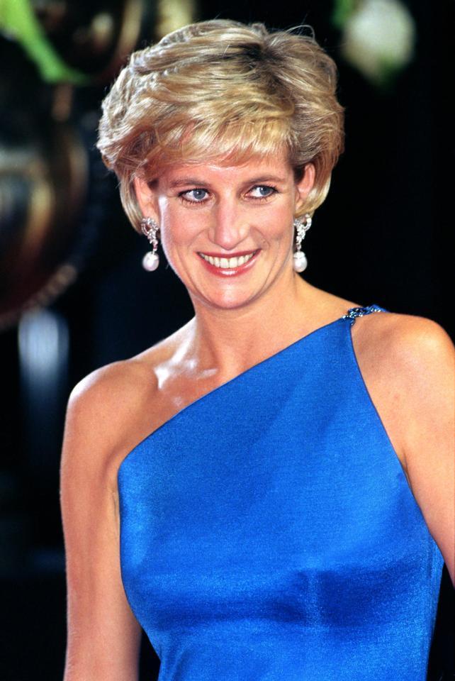 Hé lộ những sự thật động trời về đám tang Công nương Diana mà Hoàng gia Anh giấu kín 20 năm nay - Ảnh 1.