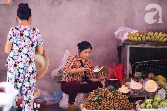 Thân thương những góc chợ quen buổi sớm trong ngõ nhỏ Hà Nội - Ảnh 15.